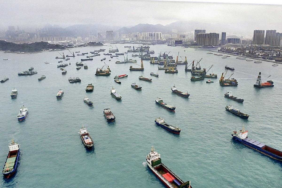 Και εγκλωβισμένοι και απλήρωτοι…. Οργισμένη διαμαρτυρία Ναυτεργατών από πλοία στην ράδα του Χονγκ Κονγκ - e-Nautilia.gr | Το Ελληνικό Portal για την Ναυτιλία. Τελευταία νέα, άρθρα, Οπτικοακουστικό Υλικό