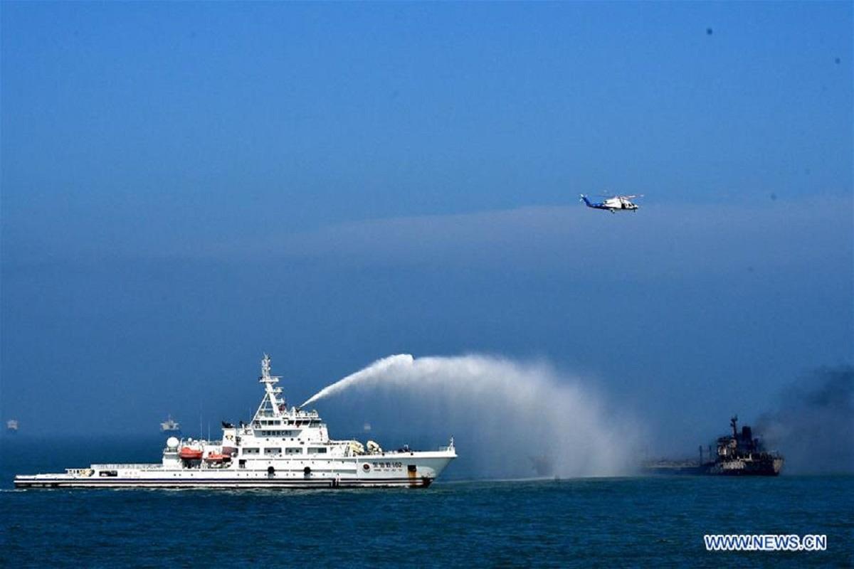 Σύγκρουση δεξαμενόπλοιου με φορτηγό πλοίο- 14 ναυτικοί αγνοούνται [βίντεο] - e-Nautilia.gr | Το Ελληνικό Portal για την Ναυτιλία. Τελευταία νέα, άρθρα, Οπτικοακουστικό Υλικό