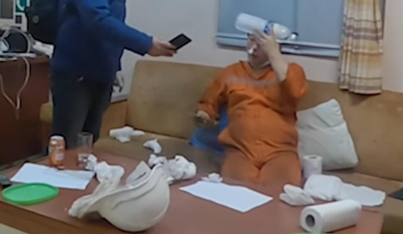 Η Κίνα αρνήθηκε την άμεση ιατρική βοήθεια σε Α' μηχανικό που ίσως πέθαινε (video) - e-Nautilia.gr | Το Ελληνικό Portal για την Ναυτιλία. Τελευταία νέα, άρθρα, Οπτικοακουστικό Υλικό