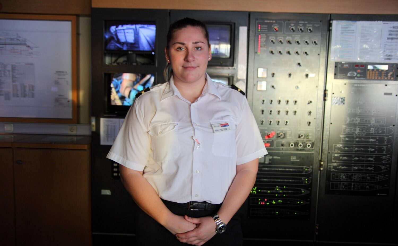 Ιστορίες ναυτικών: Συνέντευξη της αξιωματικού καταστρώματος Ιωάννα Τζοβάρα - e-Nautilia.gr   Το Ελληνικό Portal για την Ναυτιλία. Τελευταία νέα, άρθρα, Οπτικοακουστικό Υλικό