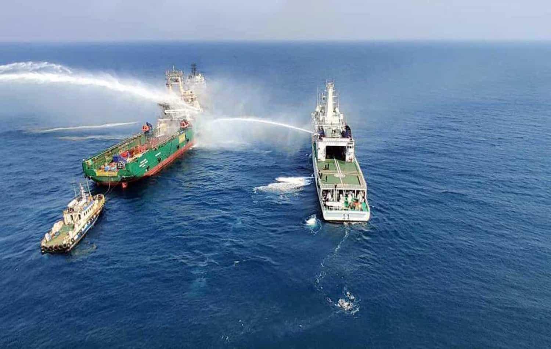Ινδία: πλοίο τυλίγεται στις φλόγες, τρεις νεκροί - e-Nautilia.gr | Το Ελληνικό Portal για την Ναυτιλία. Τελευταία νέα, άρθρα, Οπτικοακουστικό Υλικό