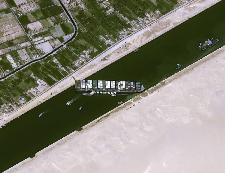 Ελπίδες ότι το πλοίο θα αποκολληθεί μέχρι το βράδυ - e-Nautilia.gr | Το Ελληνικό Portal για την Ναυτιλία. Τελευταία νέα, άρθρα, Οπτικοακουστικό Υλικό