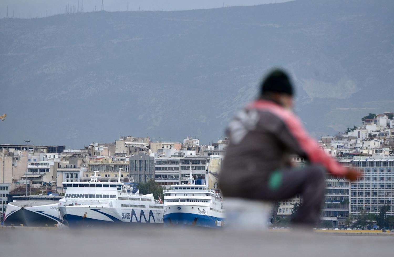 Πενιχρό επίδομα 300 ευρώ για άγαμους και 350 ευρώ για έγγαμους άνεργους ναυτεργάτες - e-Nautilia.gr | Το Ελληνικό Portal για την Ναυτιλία. Τελευταία νέα, άρθρα, Οπτικοακουστικό Υλικό