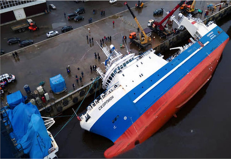 Υπό κατασκευή πλοίο αναποδογύρισε και βούλιαξε στο ναυπηγείο – Δύο νεκροί (video) - e-Nautilia.gr | Το Ελληνικό Portal για την Ναυτιλία. Τελευταία νέα, άρθρα, Οπτικοακουστικό Υλικό