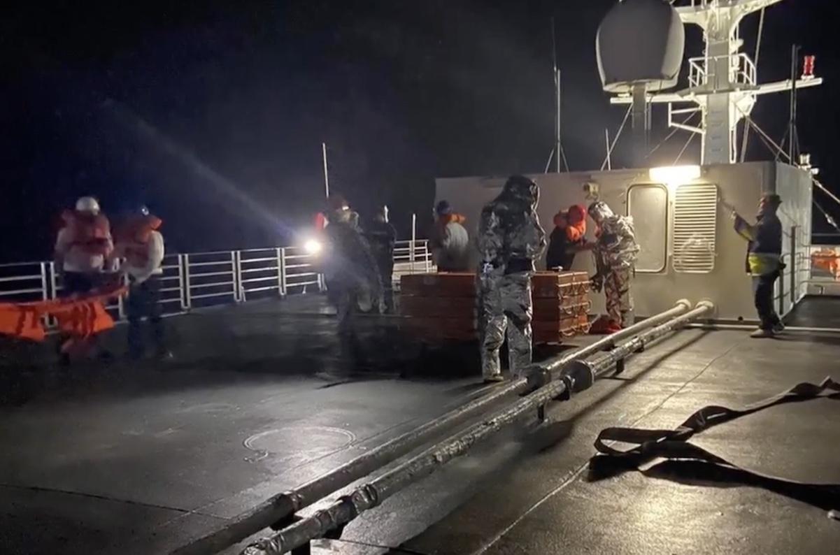 130 ΣΜ Λήμνου και Aqua Blue ένωσαν τις δυνάμεις τους στα πλαίσια άσκησης διάσωσης ασθενούς (Video) - e-Nautilia.gr | Το Ελληνικό Portal για την Ναυτιλία. Τελευταία νέα, άρθρα, Οπτικοακουστικό Υλικό