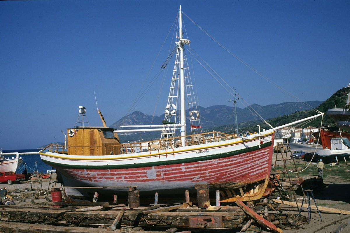 Η τέχνη της ξυλοναυπηγικής- σε ένα παλιό καρνάγιο στο Ηράκλειο (Video) - e-Nautilia.gr   Το Ελληνικό Portal για την Ναυτιλία. Τελευταία νέα, άρθρα, Οπτικοακουστικό Υλικό