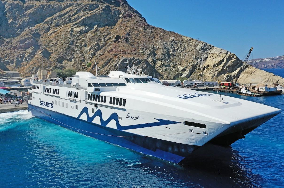Νάξος: Καπετάνιος έδεσε πλοίο με 9 μποφόρ (Video) - e-Nautilia.gr   Το Ελληνικό Portal για την Ναυτιλία. Τελευταία νέα, άρθρα, Οπτικοακουστικό Υλικό