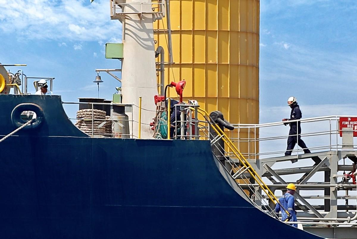 Όσο δεν εμβολιάζονται οι ναυτικοί η κρίση στις αλλαγές πληρώματος θα γίνεται χειρότερη - e-Nautilia.gr   Το Ελληνικό Portal για την Ναυτιλία. Τελευταία νέα, άρθρα, Οπτικοακουστικό Υλικό