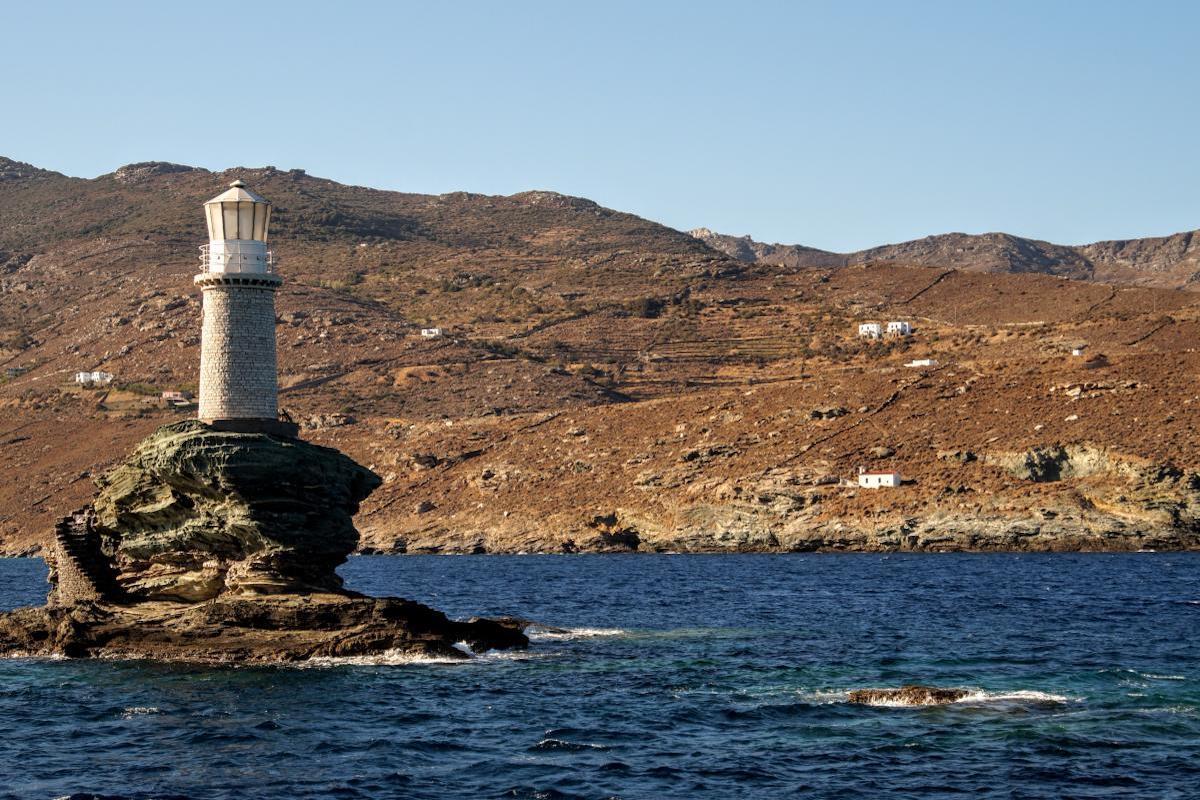 Φάρος Τουρλίτης, ο πανέμορφος φάρος της Άνδρου! - e-Nautilia.gr | Το Ελληνικό Portal για την Ναυτιλία. Τελευταία νέα, άρθρα, Οπτικοακουστικό Υλικό