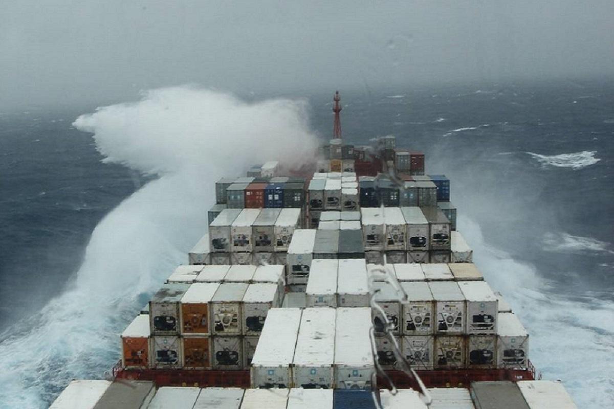 Ένας ναυτικός αγνοείται και τρεις ακόμη τραυματίστηκαν λόγω κυκλώνα! - e-Nautilia.gr | Το Ελληνικό Portal για την Ναυτιλία. Τελευταία νέα, άρθρα, Οπτικοακουστικό Υλικό