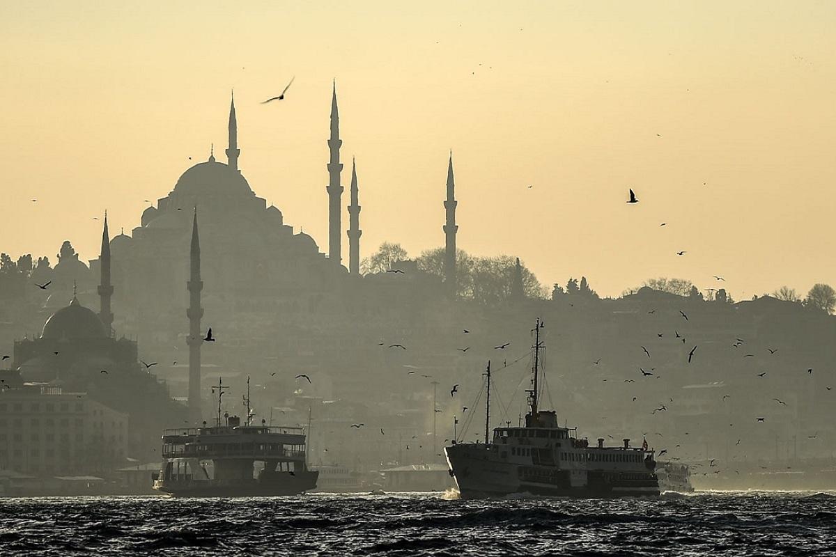 Έκλεισε ο Βόσπορος – Δεξαμενόπλοιο έχασε τον έλεγχο - e-Nautilia.gr   Το Ελληνικό Portal για την Ναυτιλία. Τελευταία νέα, άρθρα, Οπτικοακουστικό Υλικό