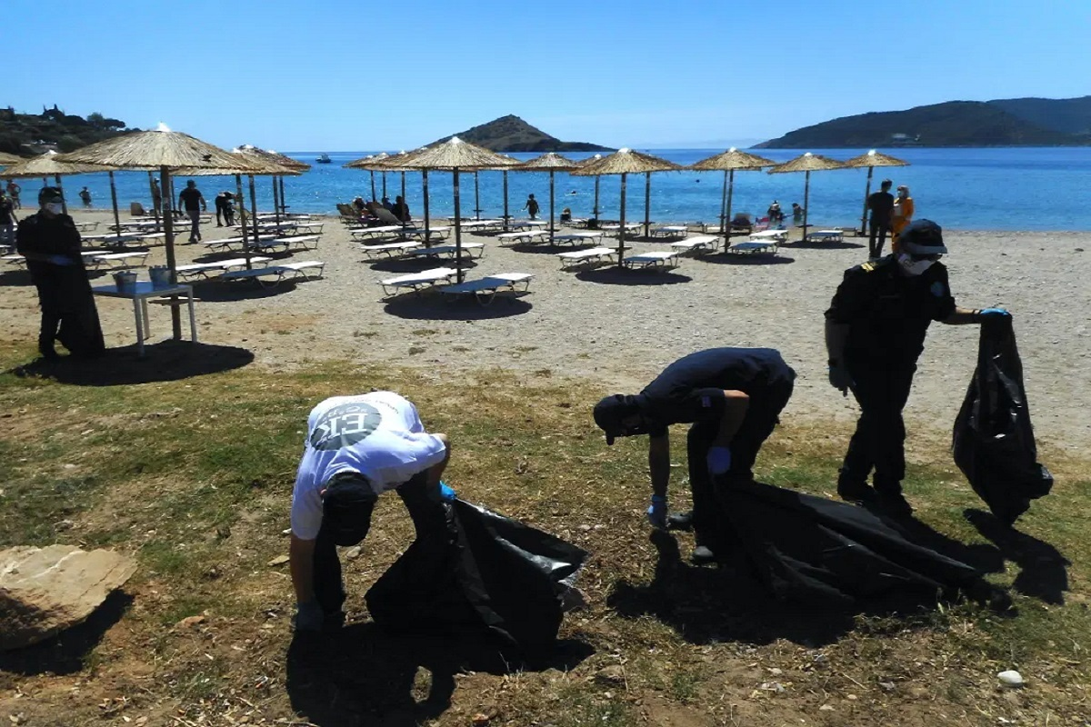 Διακεκριμένοι Αθλητές του Λιμενικού Σώματος και στελέχη του ΥΝΑΝΠ σε δράση ευαισθητοποίησης καθαρισμού ακτών - e-Nautilia.gr | Το Ελληνικό Portal για την Ναυτιλία. Τελευταία νέα, άρθρα, Οπτικοακουστικό Υλικό