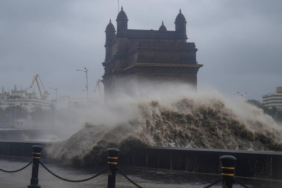 Δεύτερος κυκλώνας πλήττει την Ινδία – Εγκατέλειψαν τις εστίες τους πάνω από 1,2 εκατ. άνθρωποι (video) - e-Nautilia.gr   Το Ελληνικό Portal για την Ναυτιλία. Τελευταία νέα, άρθρα, Οπτικοακουστικό Υλικό