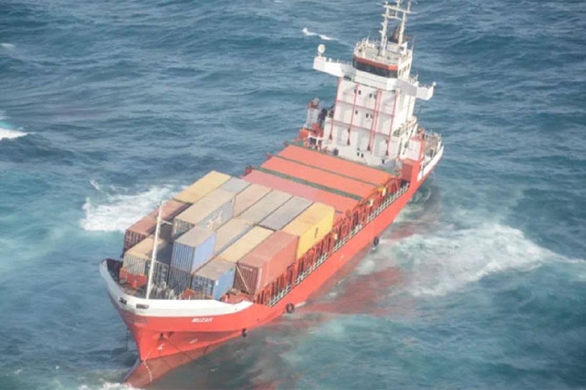 Προσάραξη και βύθιση πλοίου στην αραβική θάλασσα – εγκατέλειψε το πλήρωμα - e-Nautilia.gr | Το Ελληνικό Portal για την Ναυτιλία. Τελευταία νέα, άρθρα, Οπτικοακουστικό Υλικό