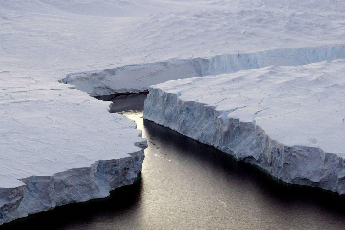 ΒΙΝΤΕΟ: Το μεγαλύτερο παγόβουνο της γης αποκολλήθηκε από την Ανταρκτική - e-Nautilia.gr | Το Ελληνικό Portal για την Ναυτιλία. Τελευταία νέα, άρθρα, Οπτικοακουστικό Υλικό