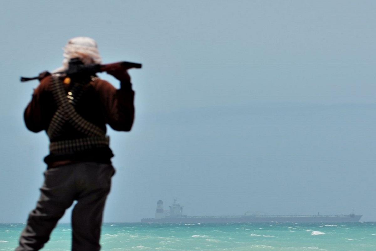 Πειρατική επίθεση σε αλιευτικό – Απήχθησαν 5 μέλη του πληρώματος - e-Nautilia.gr | Το Ελληνικό Portal για την Ναυτιλία. Τελευταία νέα, άρθρα, Οπτικοακουστικό Υλικό