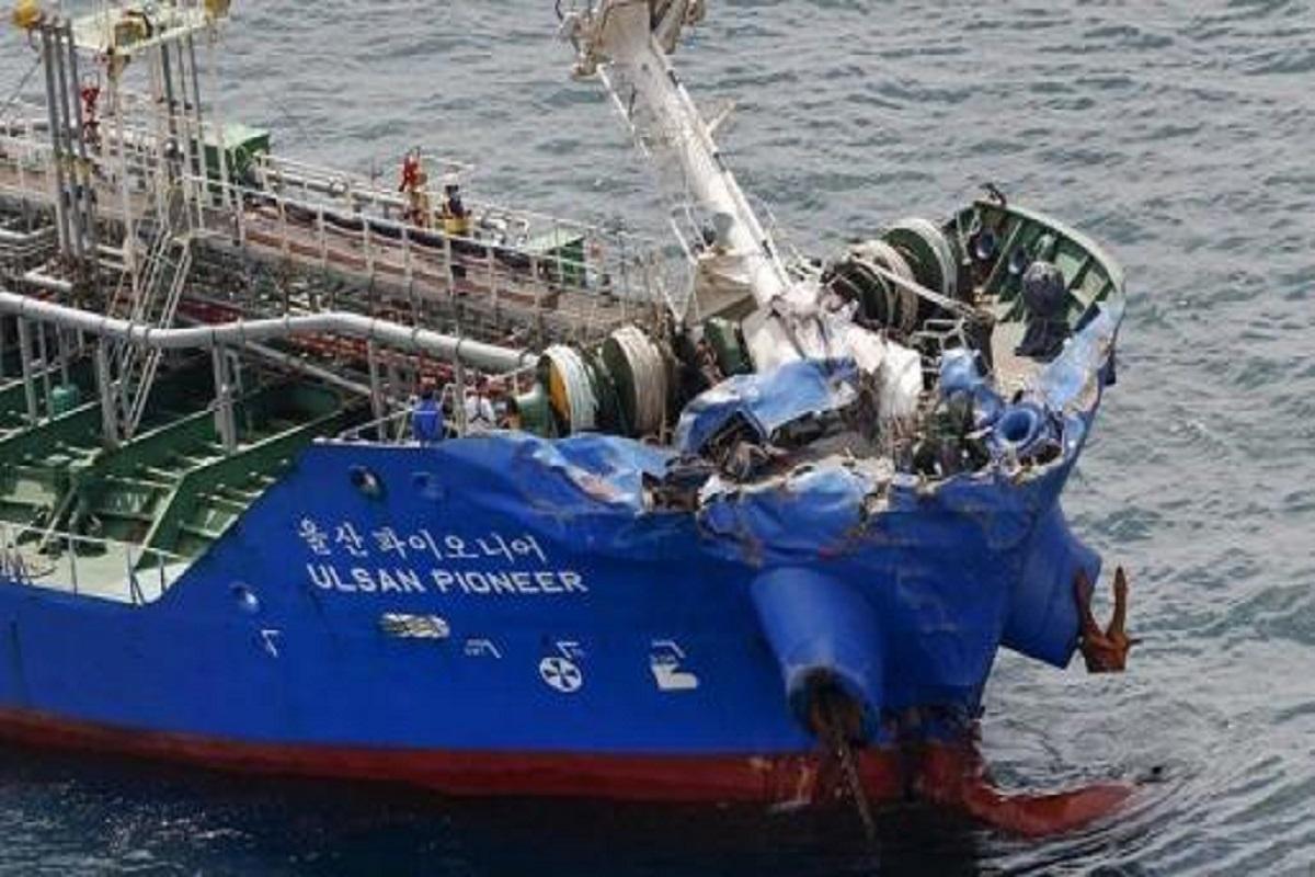 Πλοίο Ro-ro βυθίστηκε μετά από σύγκρουση με δεξαμενόπλοιο- 3 μέλη του πληρώματος αγνοούνται - e-Nautilia.gr | Το Ελληνικό Portal για την Ναυτιλία. Τελευταία νέα, άρθρα, Οπτικοακουστικό Υλικό