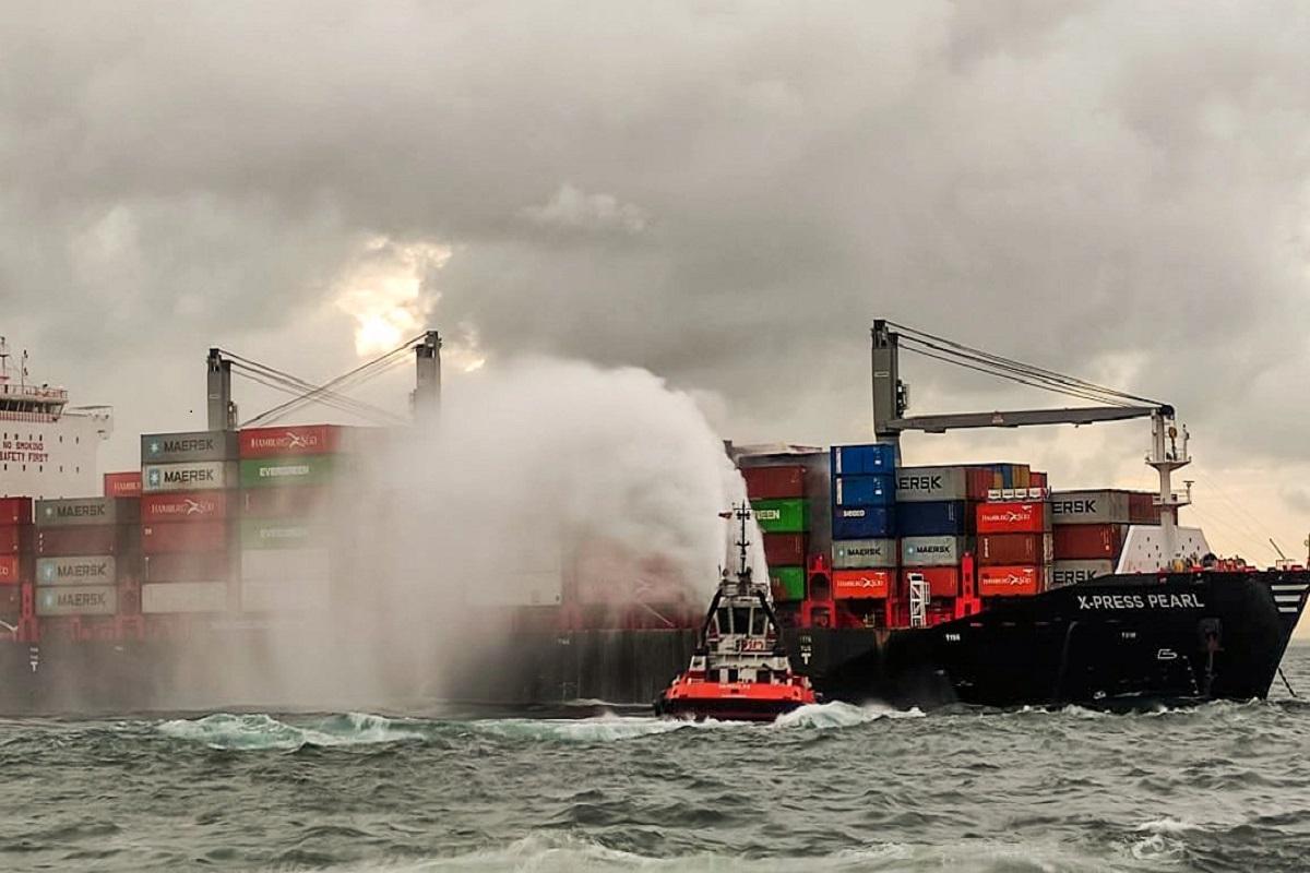 Πυρκαγιά σε ολοκαίνουριο πλοίο κοντέινερ (photo) - e-Nautilia.gr   Το Ελληνικό Portal για την Ναυτιλία. Τελευταία νέα, άρθρα, Οπτικοακουστικό Υλικό
