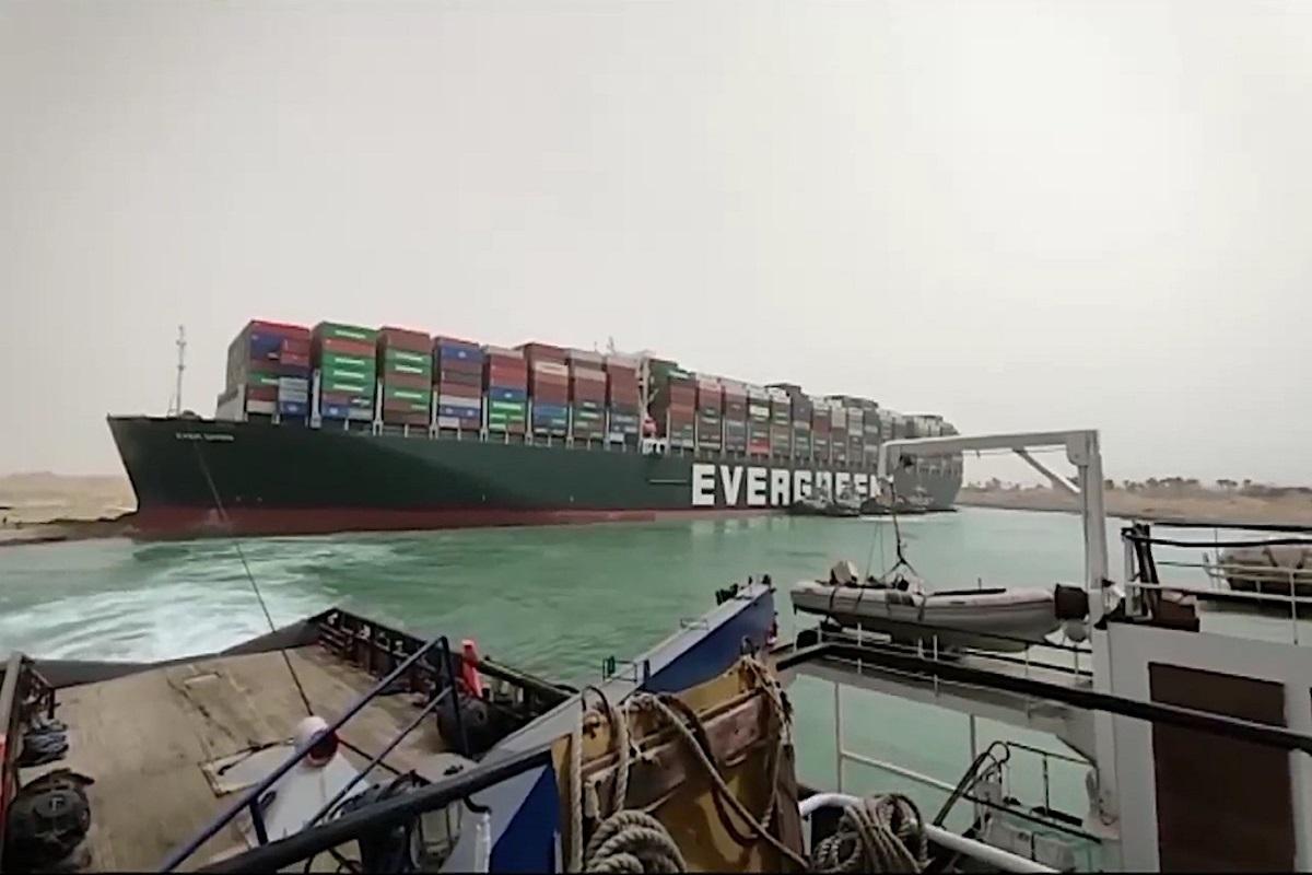 Ever Given : Μετά την απελευθέρωση του, ξεκίνησαν και οι επιθεωρήσεις στο πλοίο - e-Nautilia.gr | Το Ελληνικό Portal για την Ναυτιλία. Τελευταία νέα, άρθρα, Οπτικοακουστικό Υλικό