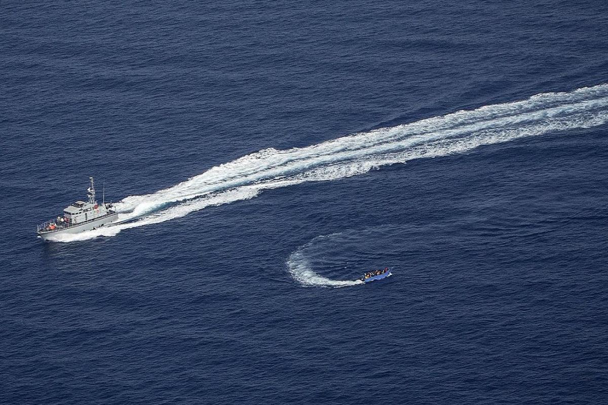 ΒΙΝΤΕΟ: Η ακτοφυλακή της Λιβύης άνοιξε πυρ σε σκάφος με μετανάστες - e-Nautilia.gr | Το Ελληνικό Portal για την Ναυτιλία. Τελευταία νέα, άρθρα, Οπτικοακουστικό Υλικό