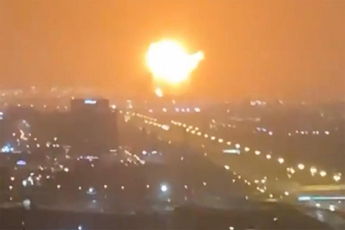 Πυρκαγιά ξέσπασε μετά από έκρηξη σε πλοίο στο Ντουμπάι (video) - e-Nautilia.gr | Το Ελληνικό Portal για την Ναυτιλία. Τελευταία νέα, άρθρα, Οπτικοακουστικό Υλικό