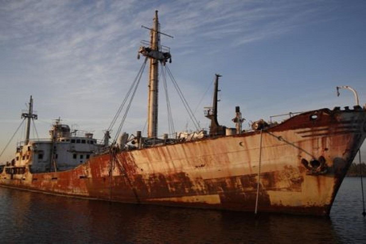 Τα 31 κουφάρια πλοίων που απειλούν τον Αργοσαρωνικό - e-Nautilia.gr | Το Ελληνικό Portal για την Ναυτιλία. Τελευταία νέα, άρθρα, Οπτικοακουστικό Υλικό