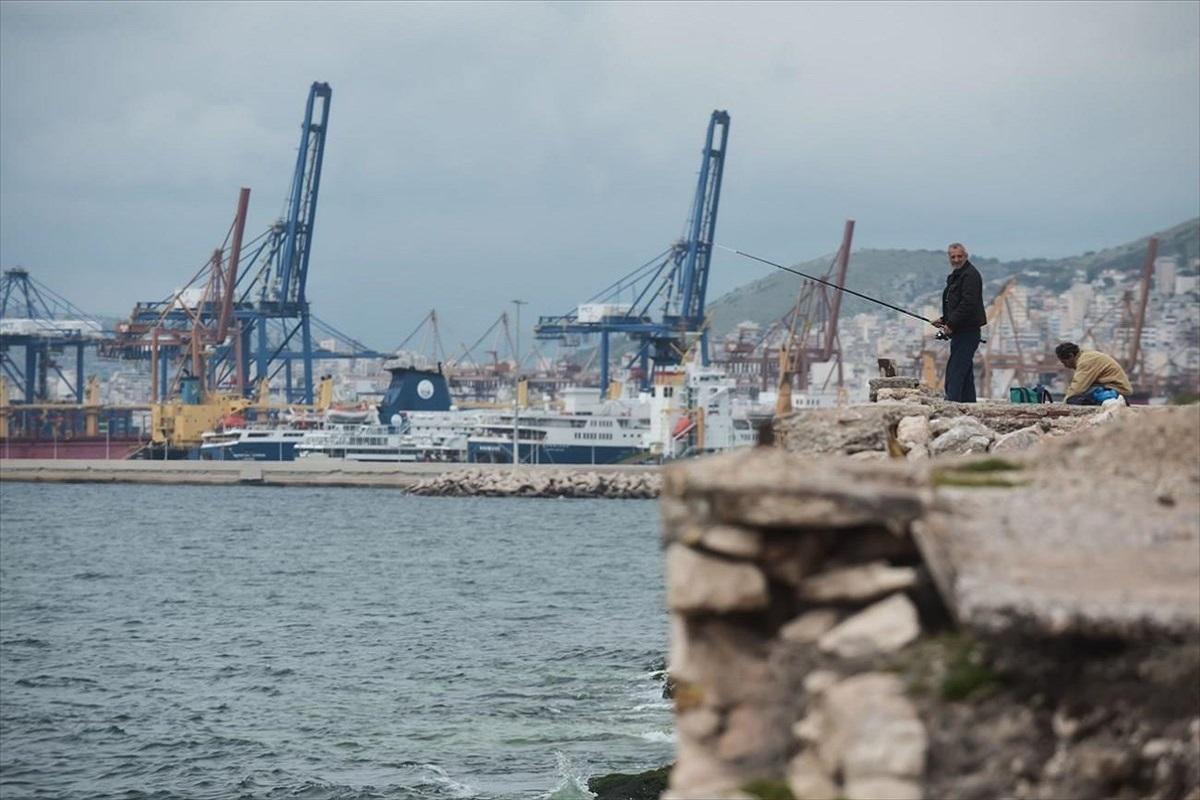 Πυρκαγιά σε ελλιμενισμένο πλοίο στο Νέο Μόλο Δραπετσώνας - e-Nautilia.gr | Το Ελληνικό Portal για την Ναυτιλία. Τελευταία νέα, άρθρα, Οπτικοακουστικό Υλικό