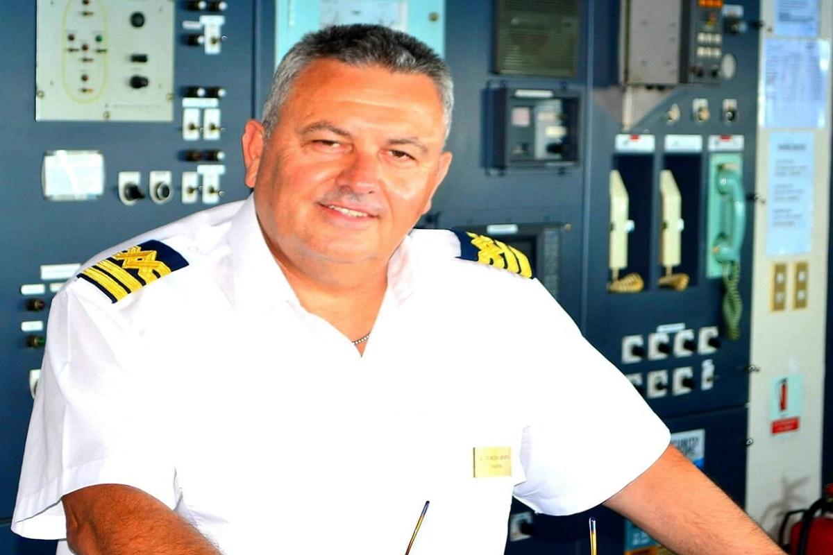Οι Οινούσσες τίμησαν τον καπετάνιο του «Νήσος Σάμος» Γιώργη Αρβανίτη (video) - e-Nautilia.gr | Το Ελληνικό Portal για την Ναυτιλία. Τελευταία νέα, άρθρα, Οπτικοακουστικό Υλικό