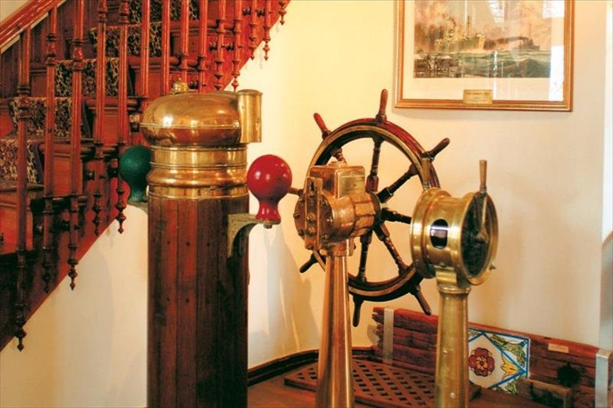 ΟΛΠ Α.Ε.: Προσφορά συμβολικού δώρου από την COSCO SHIPPING στο Ναυτικό Μουσείου Χίου - e-Nautilia.gr | Το Ελληνικό Portal για την Ναυτιλία. Τελευταία νέα, άρθρα, Οπτικοακουστικό Υλικό
