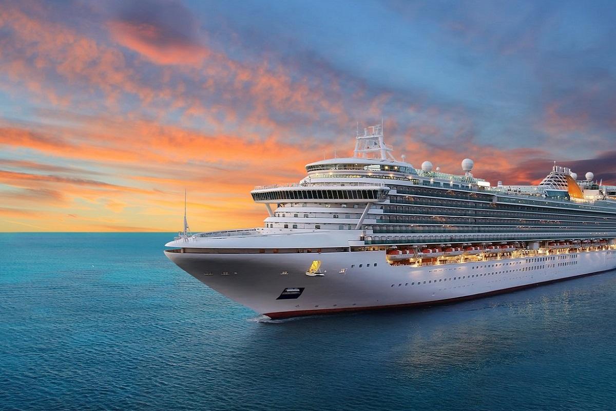 Έλληνες έβαψαν το μεγαλύτερο κρουαζιερόπλοιο του κόσμου - e-Nautilia.gr | Το Ελληνικό Portal για την Ναυτιλία. Τελευταία νέα, άρθρα, Οπτικοακουστικό Υλικό