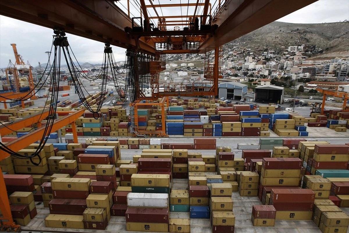Η ανακοίνωση του λιμενικού για τον θανάσιμο τραυματισμό εργαζόμενου στο λιμάνι του Πειραιά