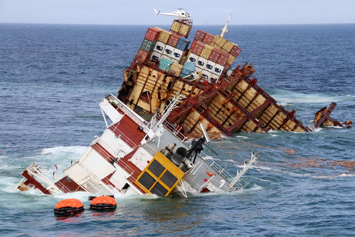 Το ναυάγιο του MV Rena: Η χειρότερη ναυτική καταστροφή της Νέας Ζηλανδίας μέσα από 35 φωτογραφίες - e-Nautilia.gr | Το Ελληνικό Portal για την Ναυτιλία. Τελευταία νέα, άρθρα, Οπτικοακουστικό Υλικό