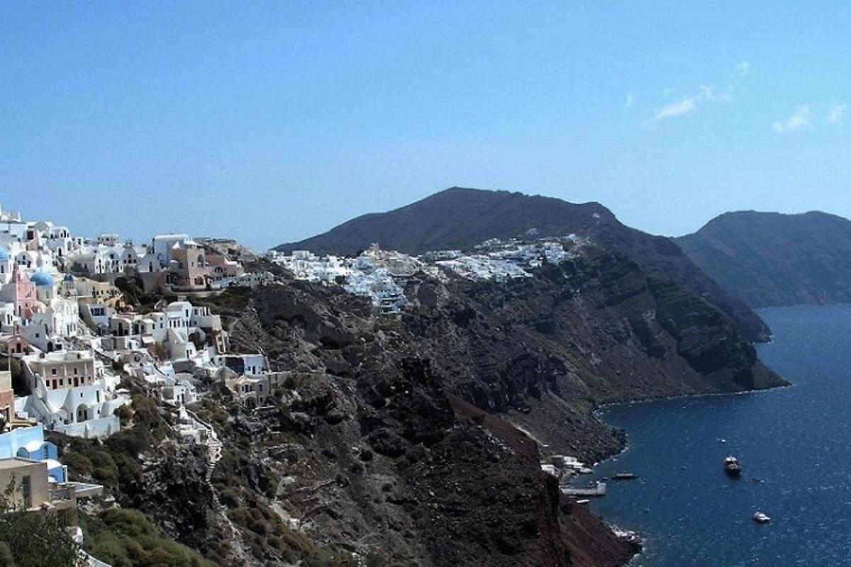 Πρόσκρουση του «Πρέβελης» στο λιμάνι της Σαντορίνης - e-Nautilia.gr | Το Ελληνικό Portal για την Ναυτιλία. Τελευταία νέα, άρθρα, Οπτικοακουστικό Υλικό