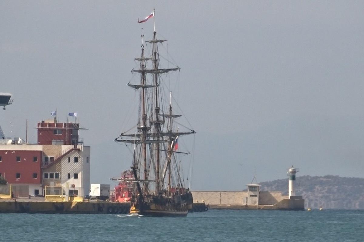Στον Πειραιά το ιστορικό ιστιοφόρο Shtandart (video) - e-Nautilia.gr | Το Ελληνικό Portal για την Ναυτιλία. Τελευταία νέα, άρθρα, Οπτικοακουστικό Υλικό